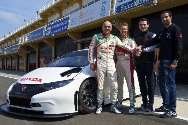 Los 4 pilotos de los 4 Civic WTCC: Gabriele Tarquini, Tiago Monteiro, Norbert Michelisz and Mehdi Bennani