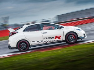 Honda Civic Type R sets new benchmark time at Silverstone with Honda BTCC's driver Matt Neal