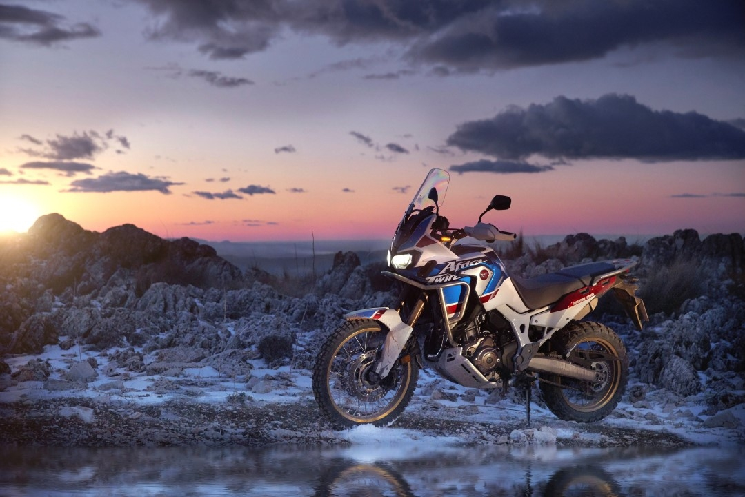 honda-civic-type-r-coche-deportivo-del-ano-en-los-schibsted-motor-awards_honda-crf1000l-africa-twin-adventure