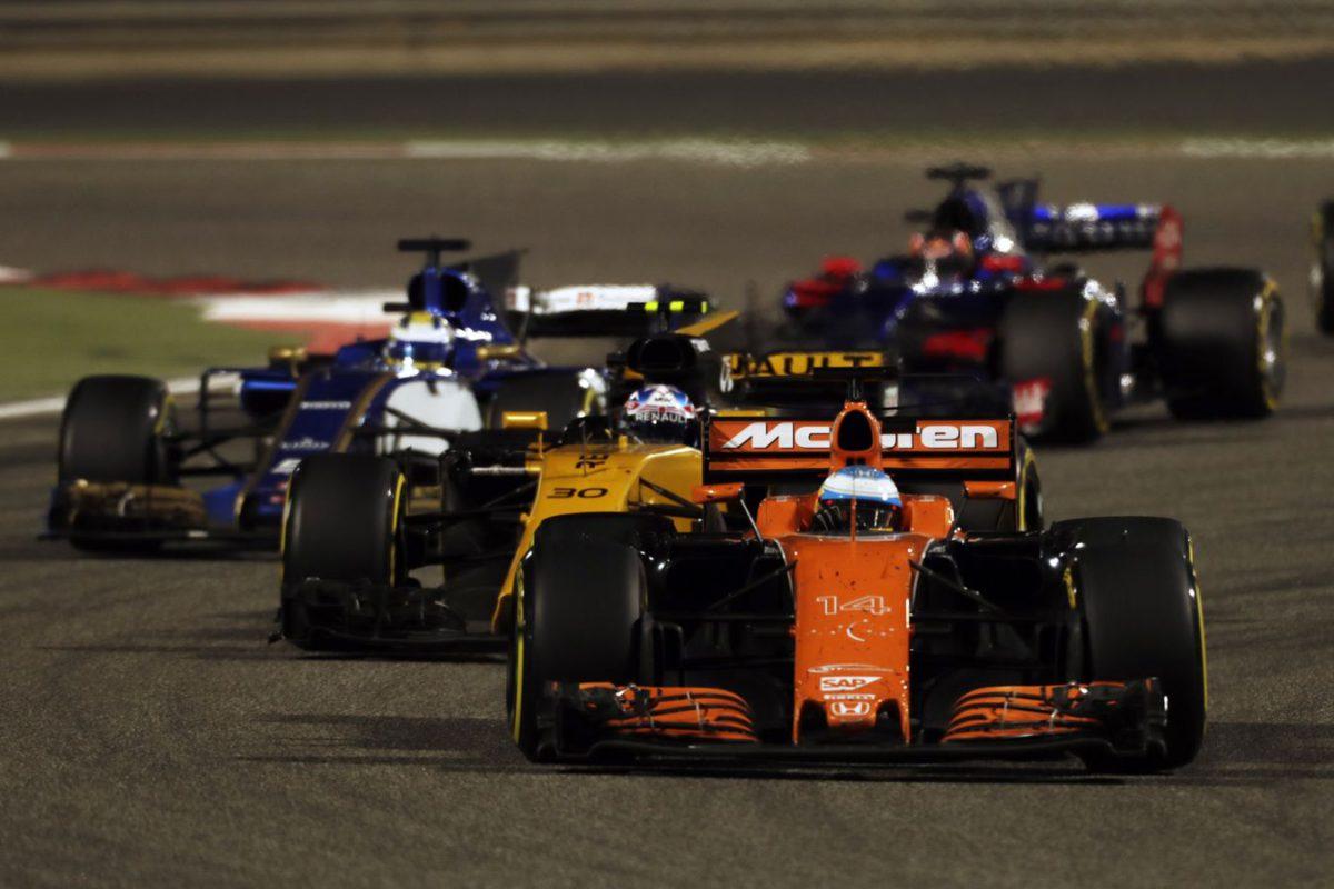 Alonso y Vandoorne se van de Bahréin sin puntos